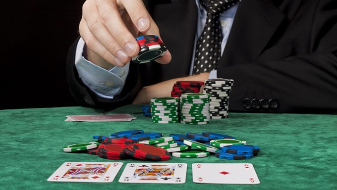 Sorotan dari Panduan Poker Online yang Layak