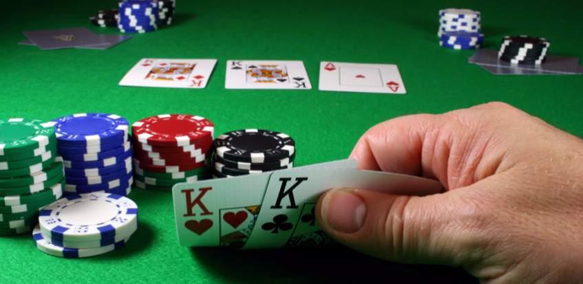 Texas Holdem Poker Sebagai Gerakan Keluarga